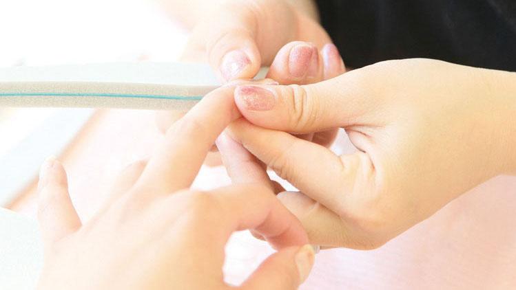 私的理想のネイルサロンの条件1「自爪を傷めないサロンがいい!」